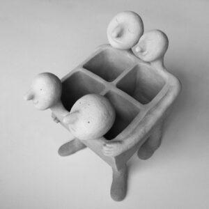 Sculpture 3 dhilde Segers | Hilde Segers | Le baigneur dormant | Produit | 75,00€ | 52276604 | Sculpture en grès blanc. | Circaterra Céramique - Hilde Segers | Terre et Terres | 10 décembre 2020