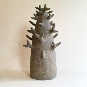 ArbreLGris1 | Hilde Segers | Je suis un arbre | Produit | Terre et Terres | 10 décembre 2020
