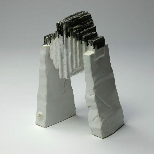 StoneWar 1 1 scaled | Eric Faure | StoneWar 1 | Produit | 120,00€ | 32787224 | Sculpture en porcelaine émaillée | Eric Faure | Terre et Terres | 10 décembre 2020