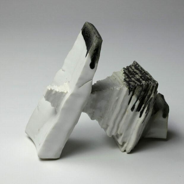 StoneWar 2 1 scaled | Eric Faure | StoneWar 2 | Produit | 120,00€ | 72287241 | Sculpture en porcelaine émaillée | Eric Faure | Terre et Terres | 10 décembre 2020