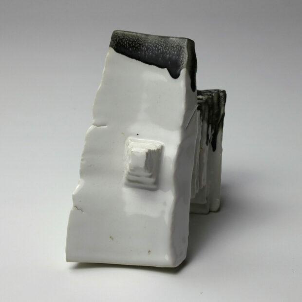 StoneWar 2 3 scaled | Eric Faure | StoneWar 2 | Produit | 120,00€ | 72287241 | Sculpture en porcelaine émaillée | Eric Faure | Terre et Terres | 10 décembre 2020