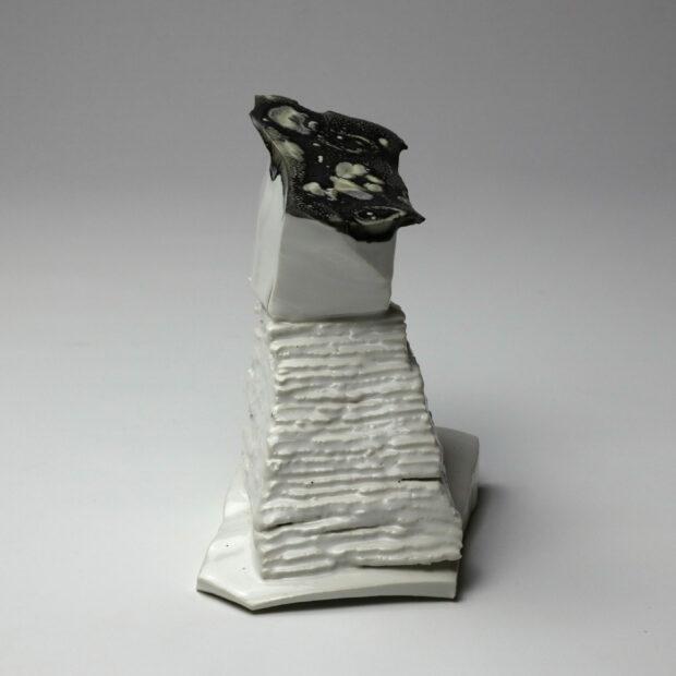 StoneWar 3 2 scaled | Eric Faure | StoneWar 3 | Produit | 120,00€ | 7247 | Sculpture en porcelaine émaillée | Eric Faure | Terre et Terres | 10 décembre 2020
