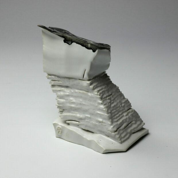 StoneWar 3 4 scaled | Eric Faure | StoneWar 3 | Produit | 120,00€ | 7247 | Sculpture en porcelaine émaillée | Eric Faure | Terre et Terres | 10 décembre 2020