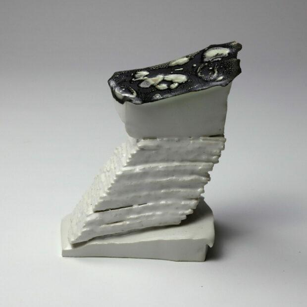 StoneWar 3 6 scaled | Eric Faure | StoneWar 3 | Produit | 120,00€ | 7247 | Sculpture en porcelaine émaillée | Eric Faure | Terre et Terres | 10 décembre 2020