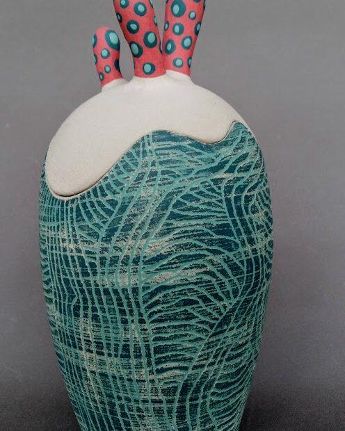 boitebleurouge 1 | Marion Lebreton | Boite cactus bleu et rouge | Produit | 75,00€ | 31766674 | Boite grès blanc engobé | Marion Lebreton | Terre et Terres | 10 décembre 2020