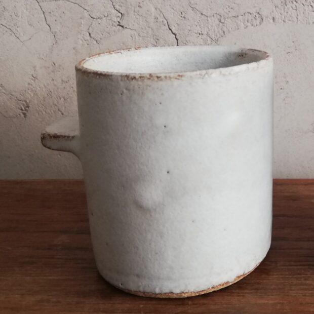 tasse t ocre | Sylvie Delphaut | tasse à café | Produit | 18,00€ | 52917296 | tasse à café expresso. Grès roux, émail blanc satiné. | Sylvie DELPHAUT | Terre et Terres | 11 décembre 2020