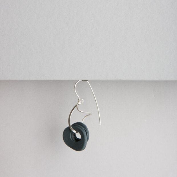 vu bo 4 | Violaine Ulmer | BO Petit Bruit | Produit | 60,00€ | 57646377 | Boucles Petit Bruit en porcelaine sur argent massif. | Violaine Ulmer | Terre et Terres | 10 décembre 2020