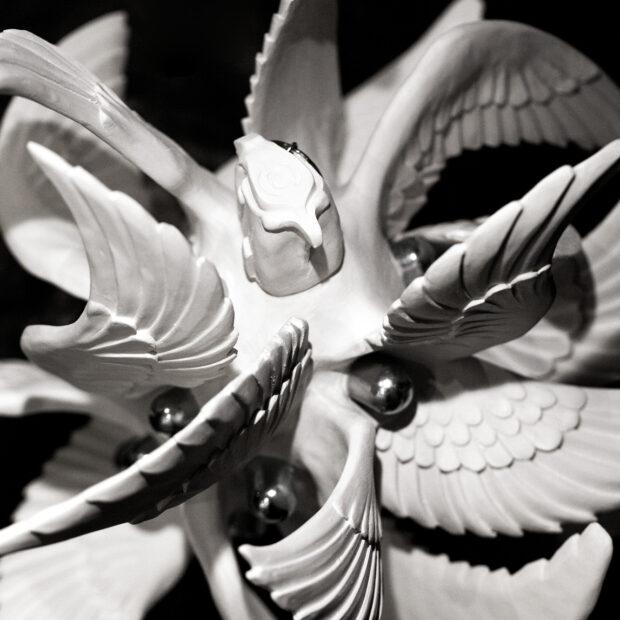 GRENADE 4 | Nathalie Charrié | Grenade | Produit | 420,00€ | 7980 | Faïence, aluminium 29x37x35 cm 2021 | Nathalie Charrié - Artiste céramiste | Terre et Terres | 11 janvier 2021